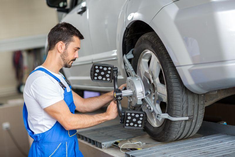 mechanic-wheel-alignment